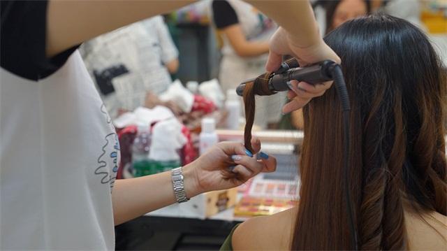 璀璨精英·第六屆化妝美甲設計大賽造型化妝花絮3