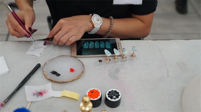 璀璨精英·第六屆化妝美甲設計大賽造型化妝花絮7