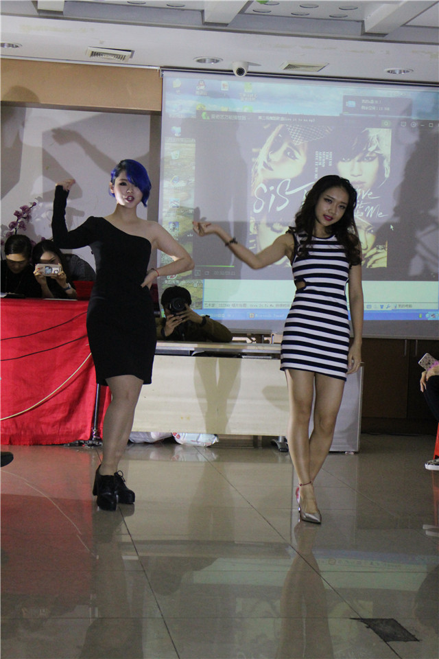 精英化妝培訓學校畢業秀舞蹈4