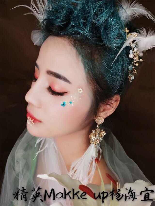 精英化妝培訓學校惠州校區高級化妝師楊海宜時尚化妝作品分享