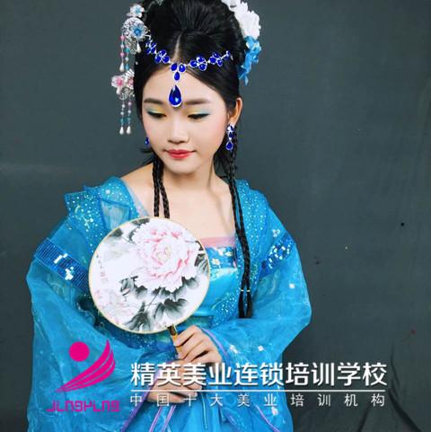 精英美業學校影樓班鄭煥華作品圖片3