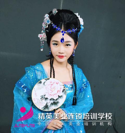 精英美業學校影樓班鄭煥華作品圖片4