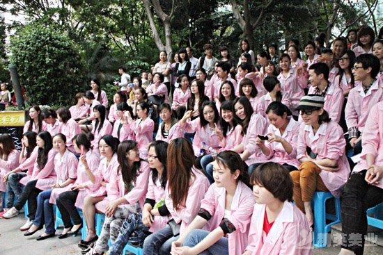 精英化妝學校化妝部舉行畢業典禮歡送畢業學子