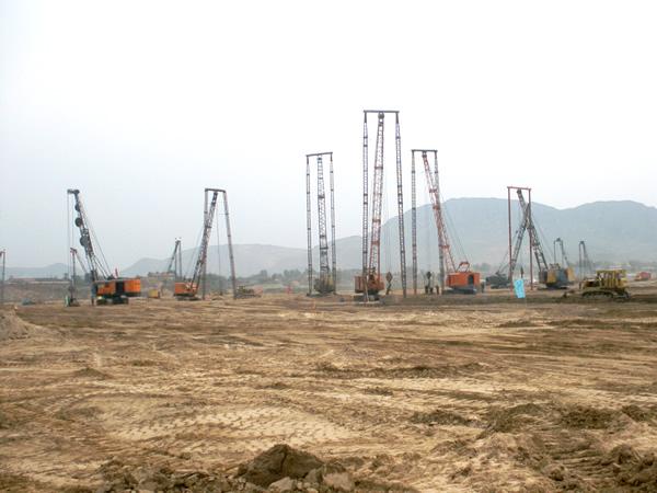 首鋼200萬噸鋼鐵廠回填土軟土地基強夯工程