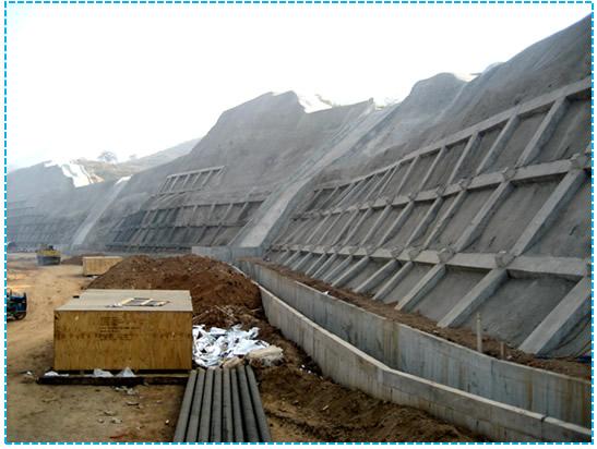 天鐵集團熱軋板卷邊坡加固工程