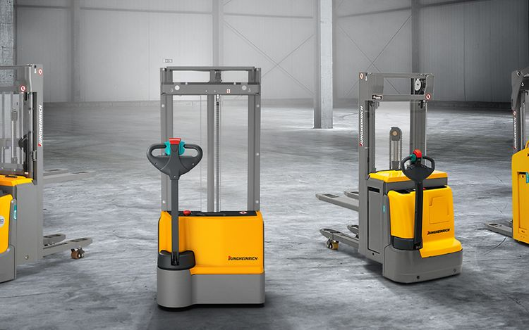 stage-electric-pallet-stackers