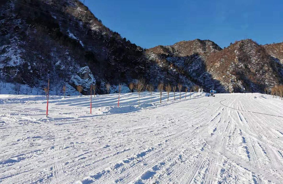 小型滑雪场