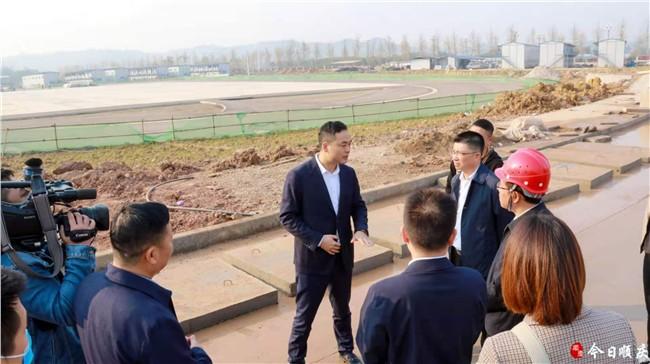 區長現場辦公強力推進重點民生項目建設