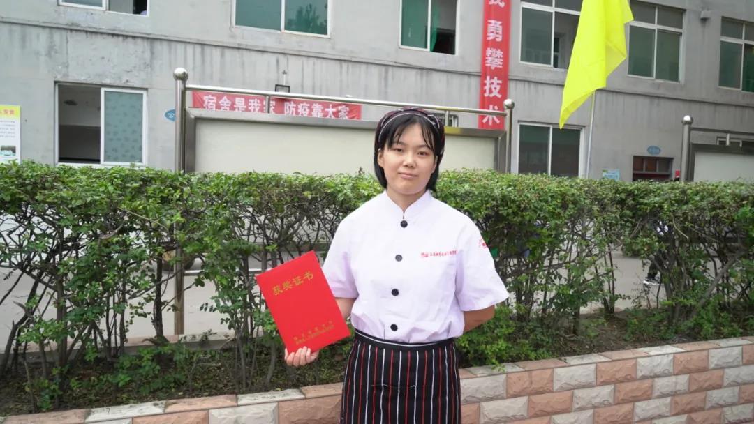 听桃李获奖学生讲述全国扶贫职业技能大赛的故事
