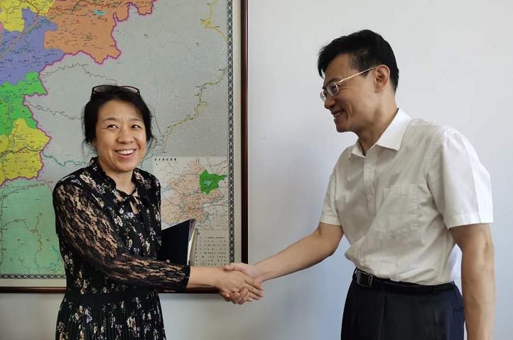 誠通人力王騰副總經理率隊赴密云區與區常務副區長楊珊進行洽商會談