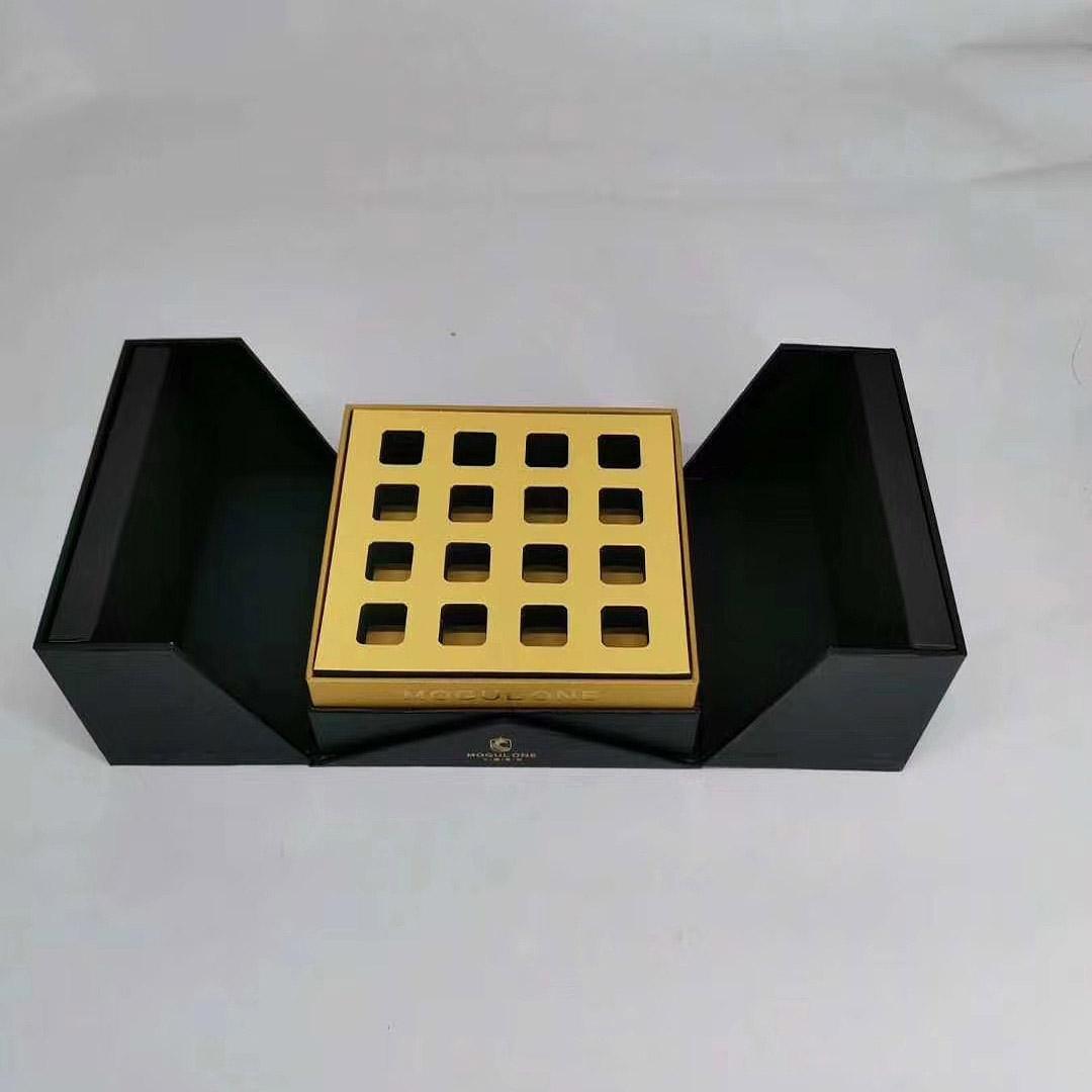 絨質面料+密度紙板+金色吸塑