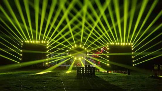 舞臺演出燈光