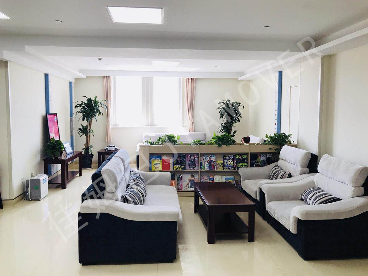 隔离酒店的室内空气和物表的消毒及净化