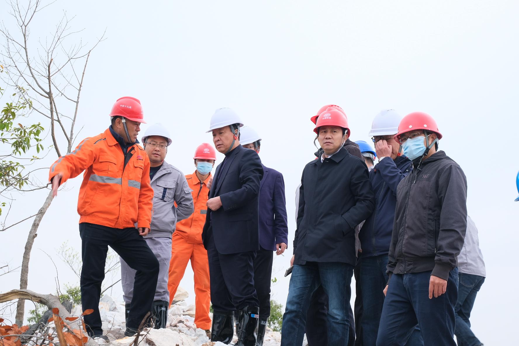 张东风到贺州续宝公司开展调研指导工作