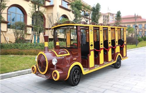 观光小火车是景区的特色交通工具