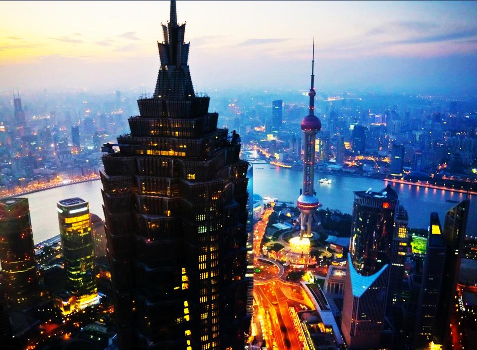 在上海金茂大厦建设工程投标中,TWT以优越的产品质量获得该项目全部阀门产品订单。