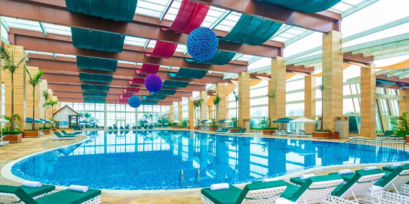 酒店遊泳池天頂玻璃隔熱防曬辦法
