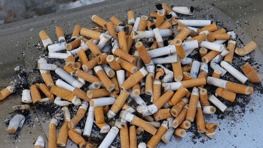 ashtray-1999943_960_720