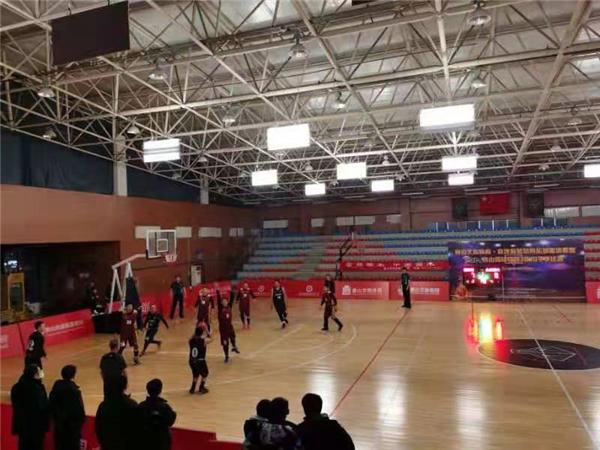 河北省唐山市金丝楠木总代篮球队新年获佳绩