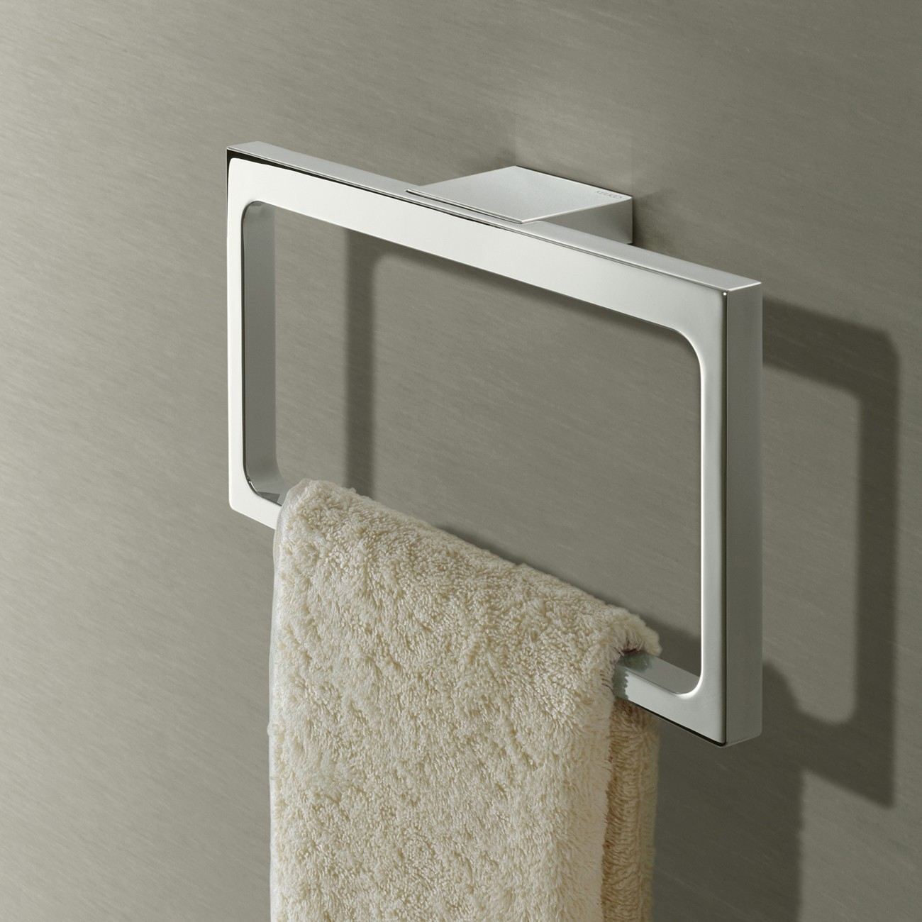 keuco_edition-11_bathroom-accessories_towel-rails_towel-ring_429208_2