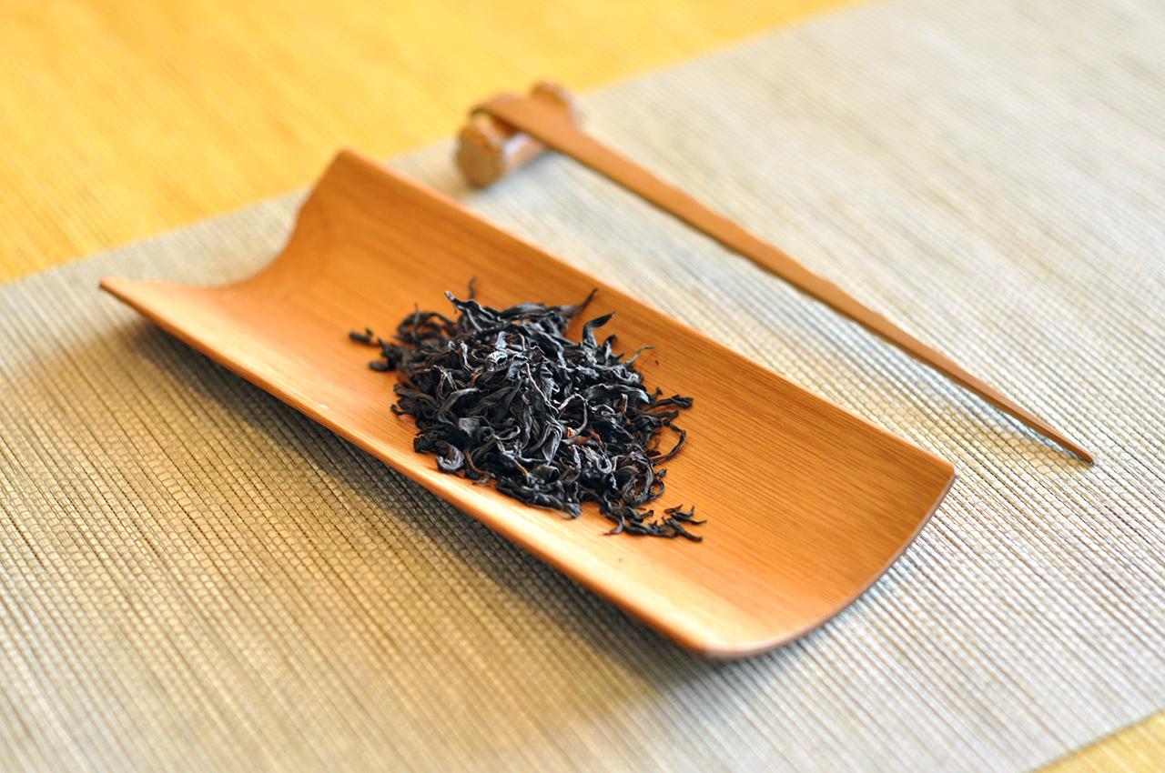 润元昌外形野生古树红茶