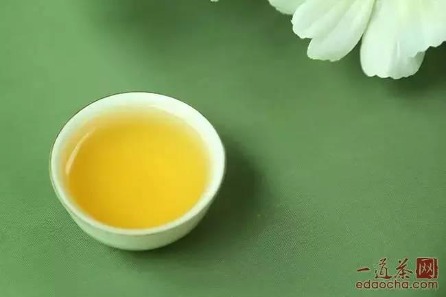 润元昌8第三泡普洱茶茶汤