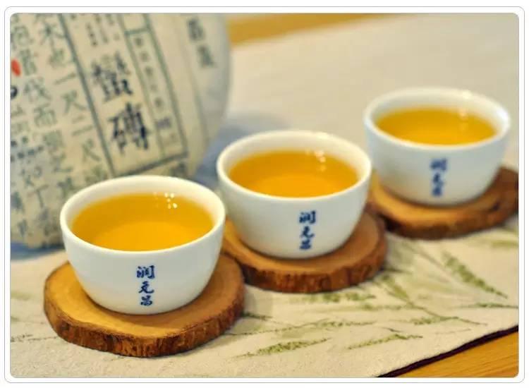 润元昌普洱茶蛮砖-3