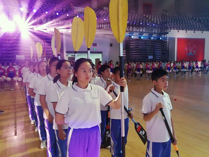 阳光体育展示献礼市中学生运动会开幕式