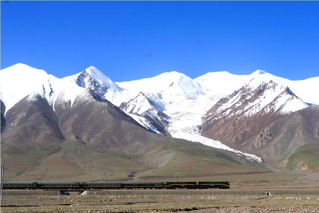 青海チベット鉄道と崑崙山