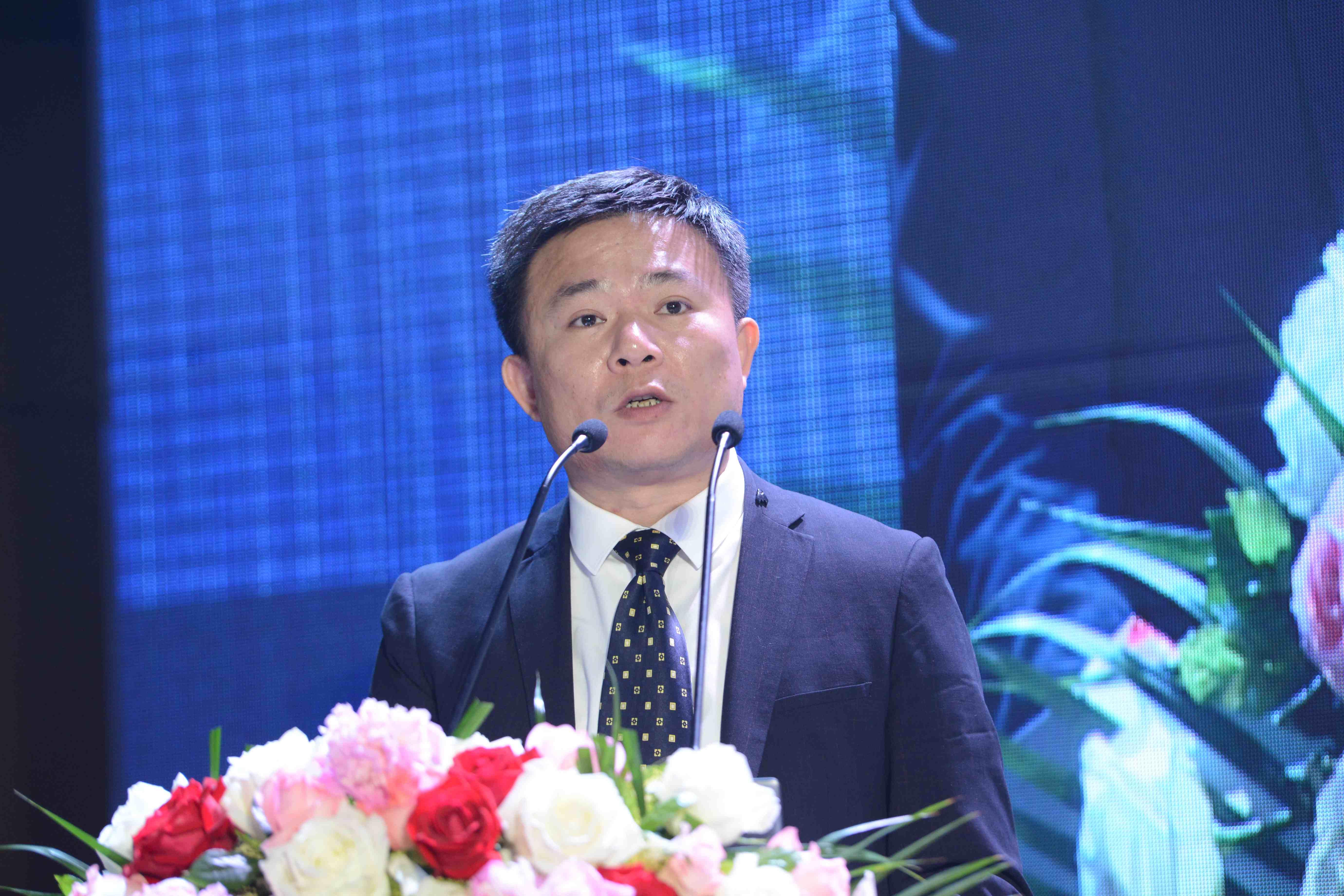 中国玻璃产业发展年会文图-中国玻璃产业发展年会文图-刘志健