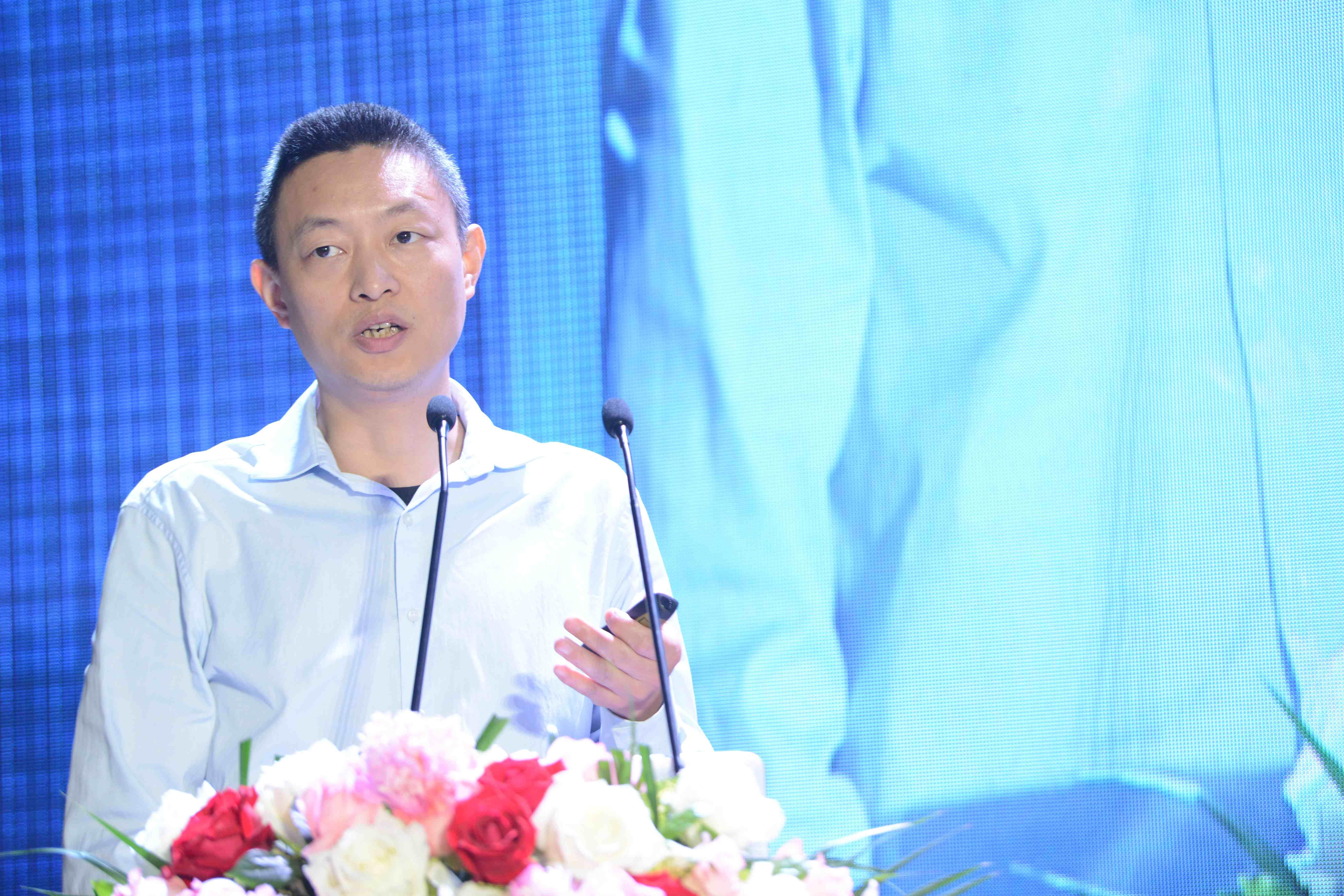 中国玻璃产业发展年会文图-中国玻璃产业发展年会文图-杨帆