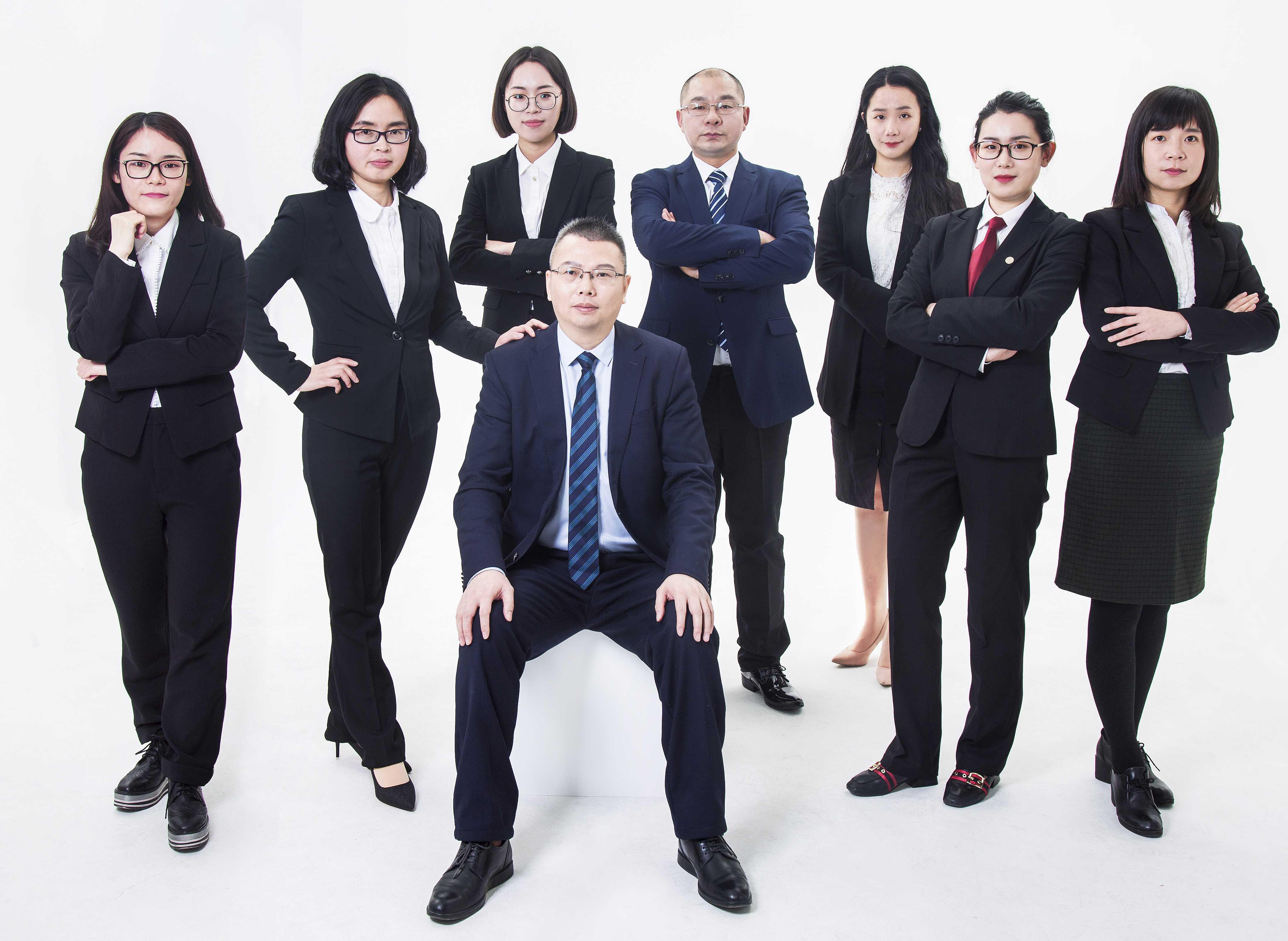 佐钊家宁强大的律师团队