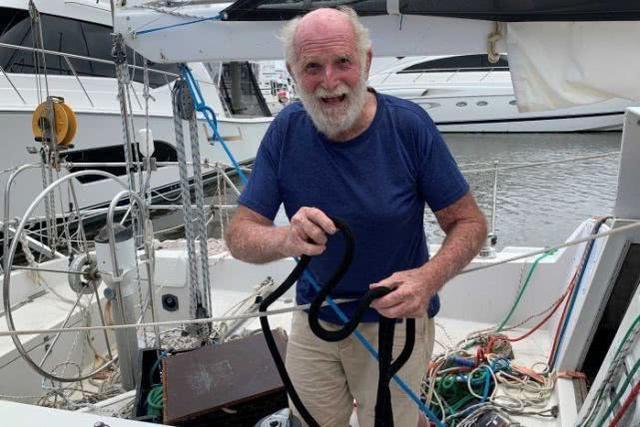 81岁白胡子老爷爷自驾游艇完成环球航行-3