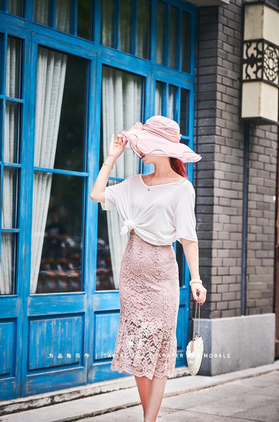 女装摄影-蕾丝粉色花裙套装04