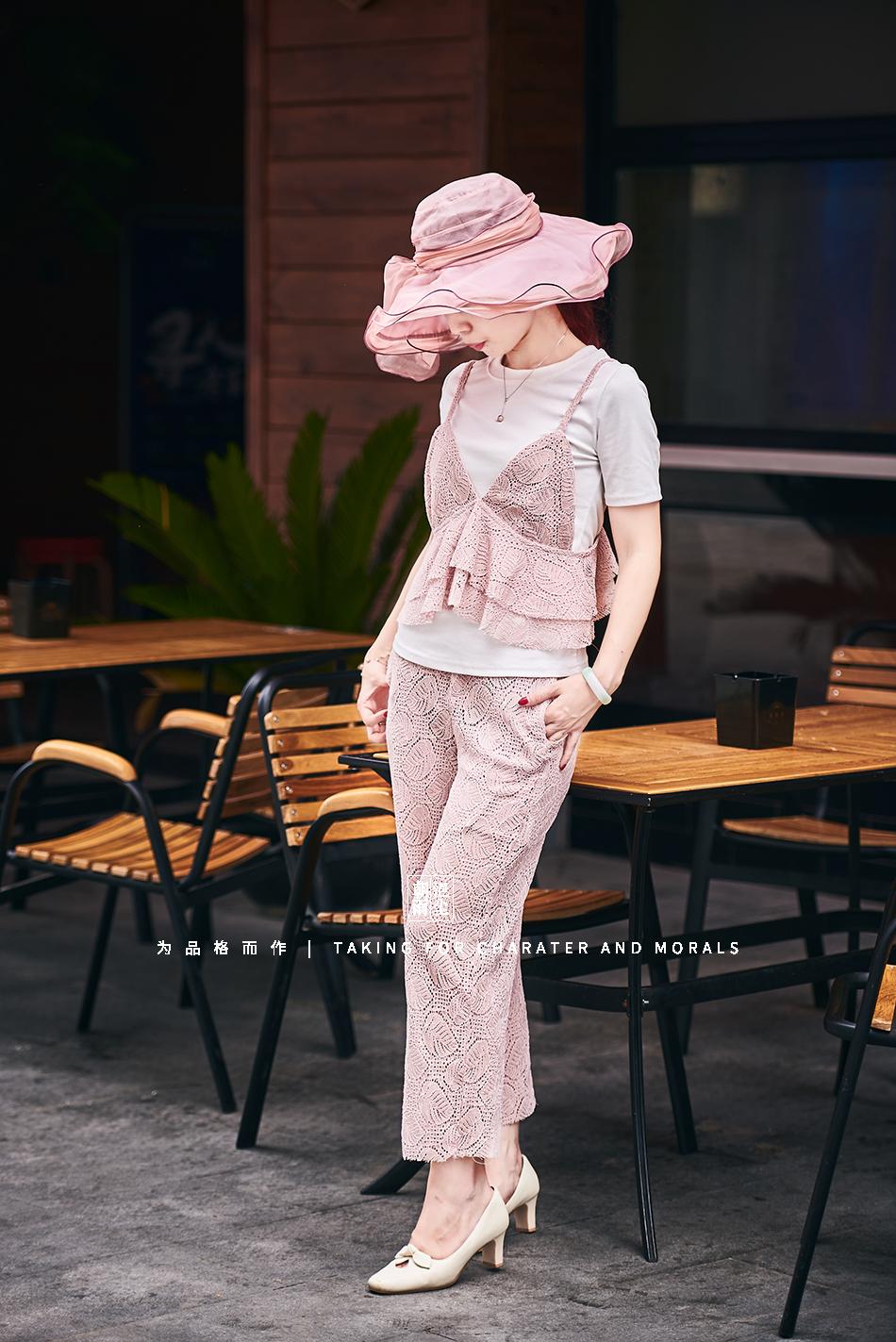 女装摄影-蕾丝粉色花裙套装09