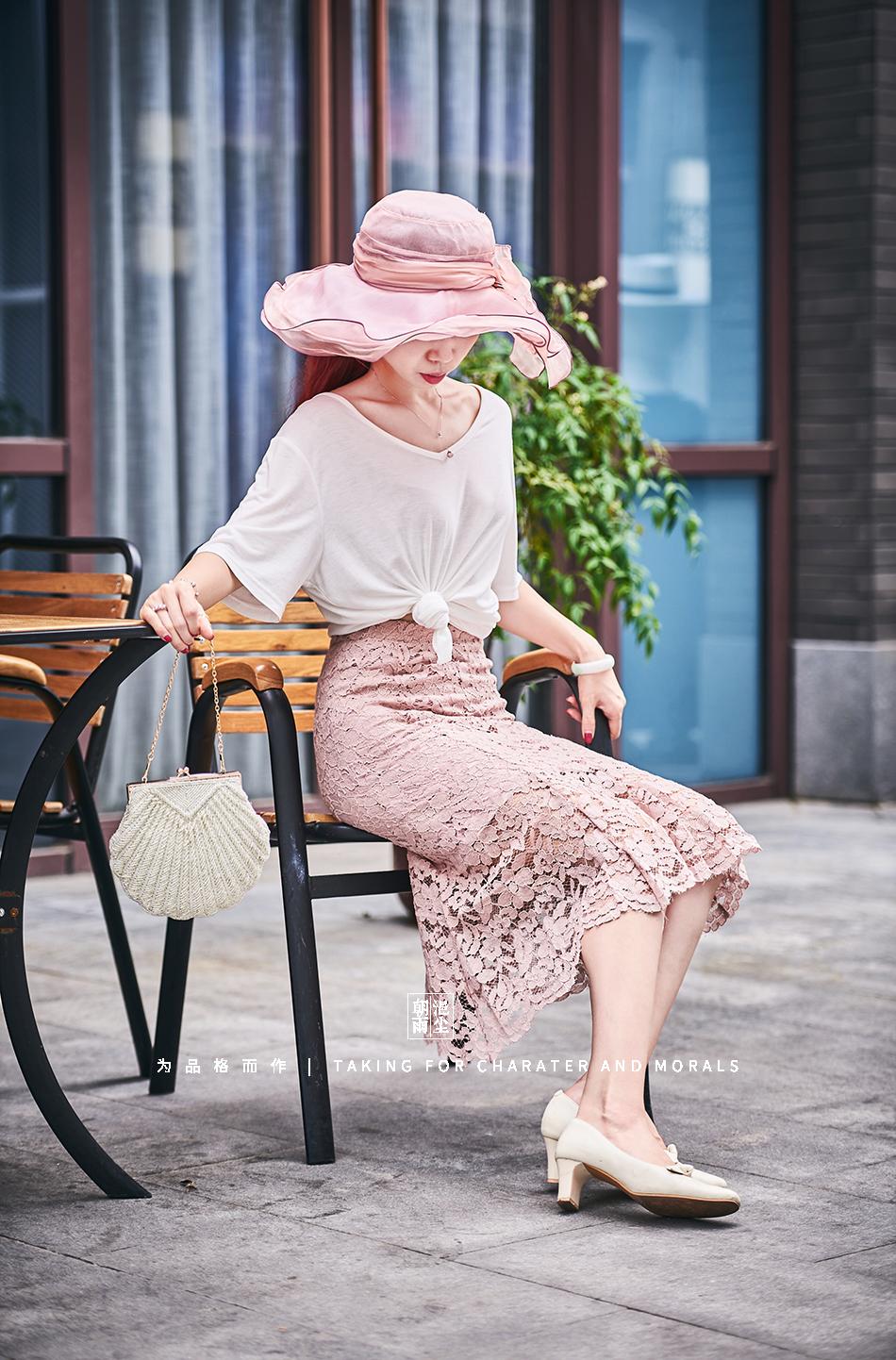女装摄影-蕾丝粉色花裙套装10