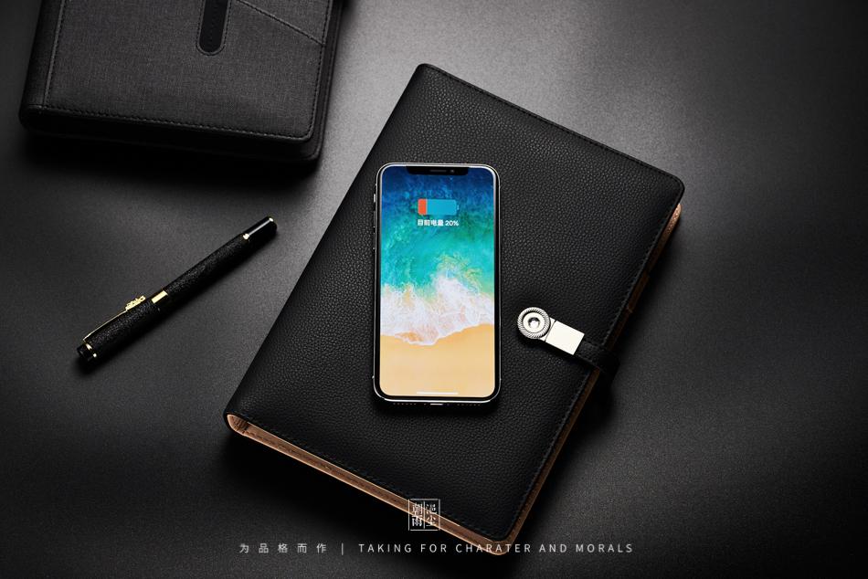 文具摄影-多功能带U盘无线充电笔记本1