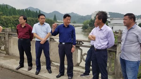 张黎勇调研河长制工作