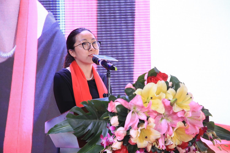 17深圳市工商银行星河支行副行长蓝琳枫发表讲话