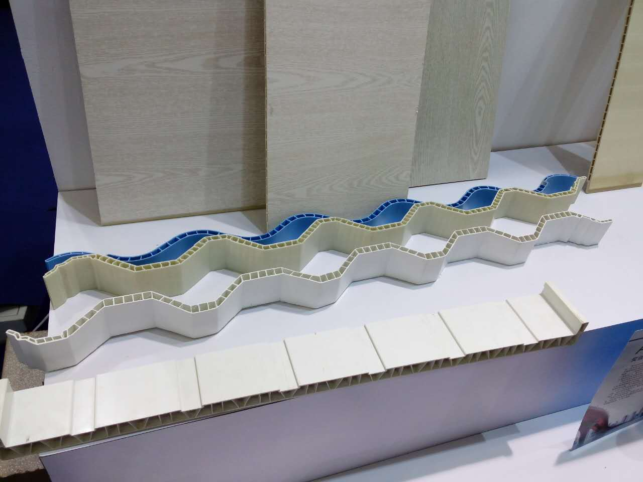 PVC中空复合瓦生产线PVC中空波浪瓦生产设备PVC树脂瓦设备PVC琉璃瓦机械2