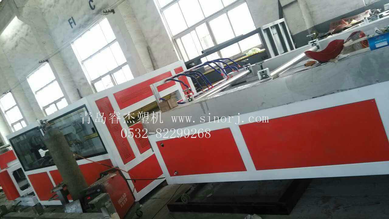 PVC中空复合瓦生产线PVC中空波浪瓦生产设备PVC树脂瓦设备PVC琉璃瓦机械1