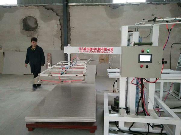 PVC石塑装饰板生产线PVC仿大理石装饰板生产设备微晶石UV板生产机器设备2