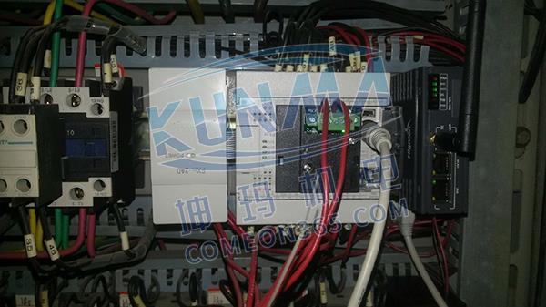 三菱FX3U PLC小区供水设备远程在线监控图片1