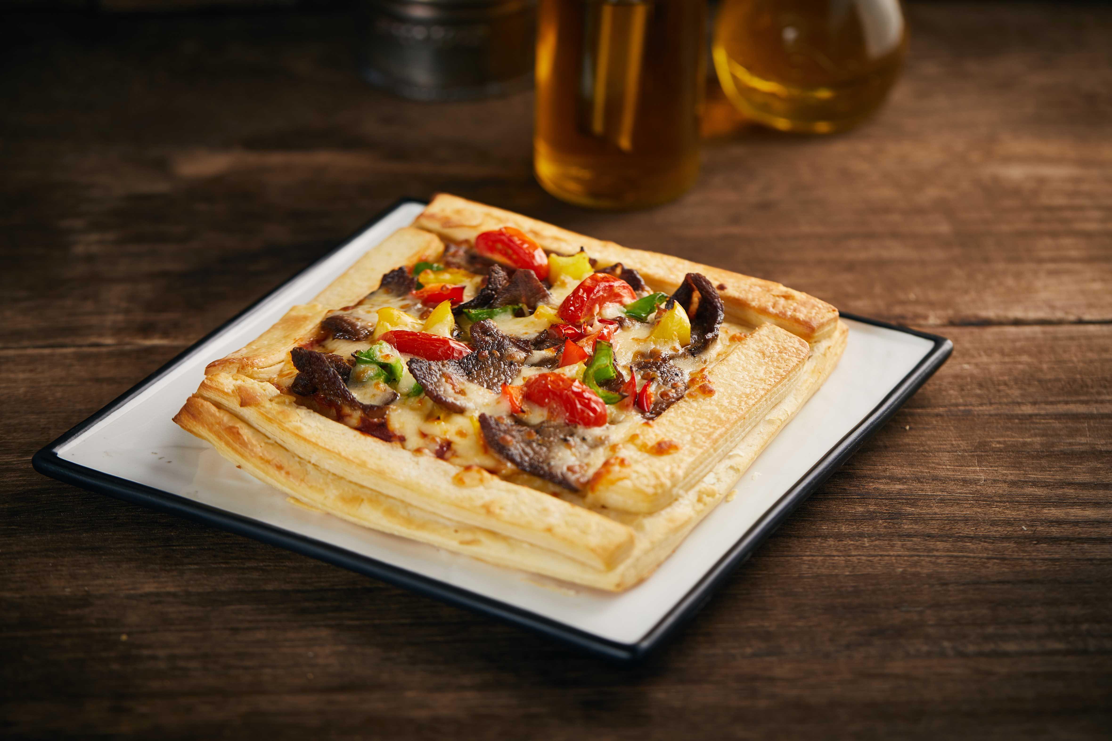 黑椒小牛肉培根披萨---3