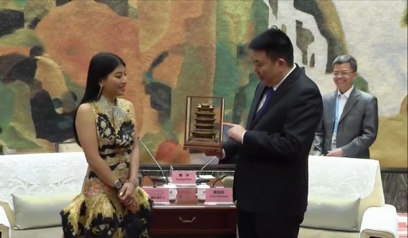 为泰国二公主翻译1417_828.jpg拷贝
