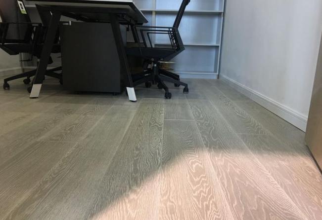 办公室装修地板选择-2