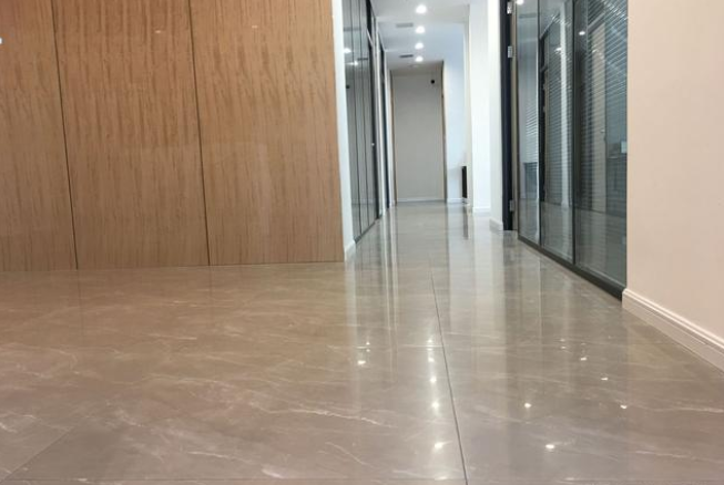 办公室装修地板选择-3