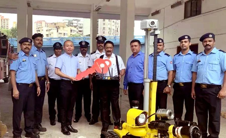 消防机器人交付现场