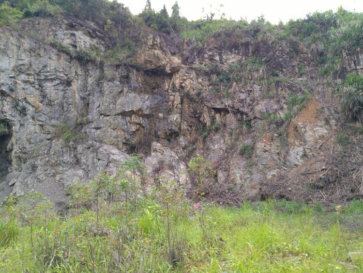 山體挖損實質缺口