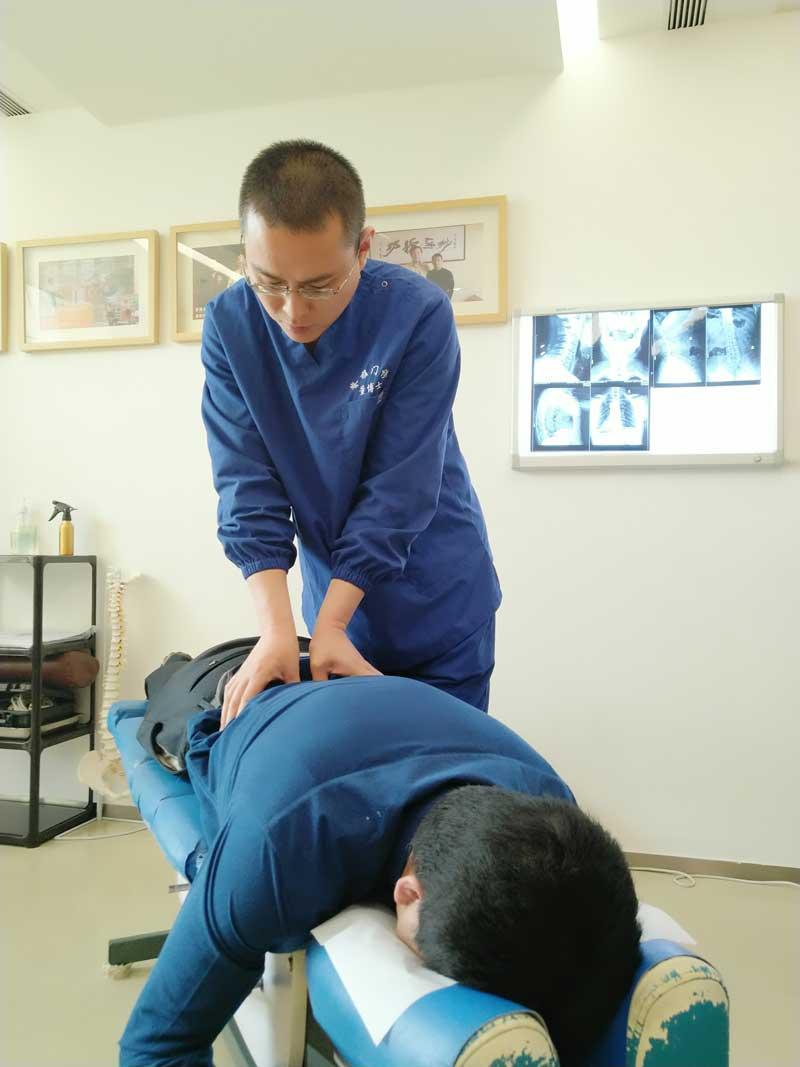 美式整脊手法触诊